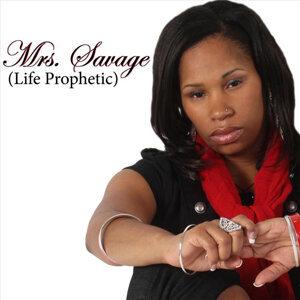 Mrs. Savage Foto artis