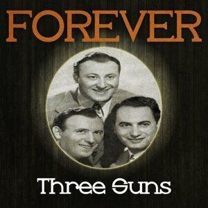 Three Sons, Three Suns Foto artis