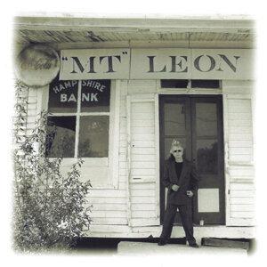 M.T. LEON Foto artis