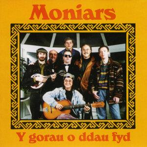 Moniars