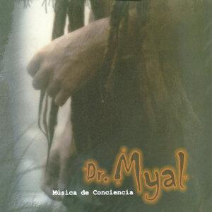 Dr. Myal Foto artis