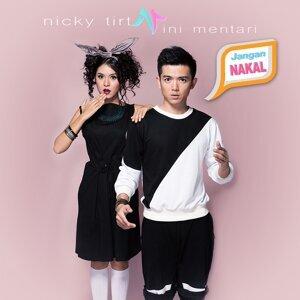 Nicky Tirta, Rini Mentari Foto artis
