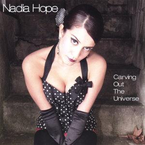 Nadia Hope 歌手頭像