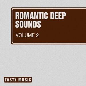 2 Voices, Alimov, Auromat, Gh05T, Mac Graymer, MaxFIIL, Reech, Y83, Ron Martian 歌手頭像