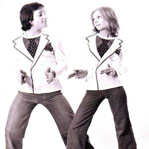 Cathy & Lally Stott 歌手頭像