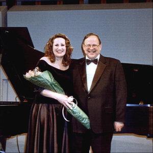 Nancy Wiebe Mazurowski 歌手頭像