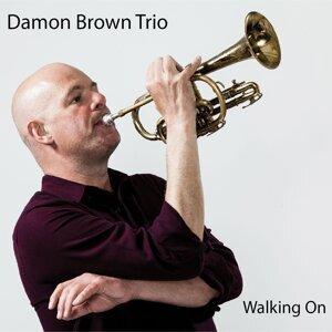 Damon Brown Trio 歌手頭像