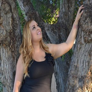 Natalie Bustamante 歌手頭像