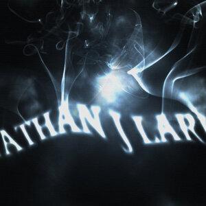 Nathan J Lark 歌手頭像