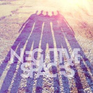 Negative Spaces 歌手頭像