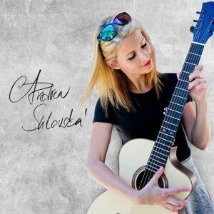 Andrea Sulovska 歌手頭像