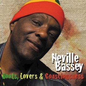 Neville Bassey 歌手頭像