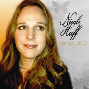 Nicole Huff 歌手頭像
