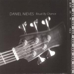 Daniel Nieves 歌手頭像