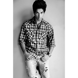Nikhil Dhingra 歌手頭像