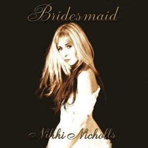 Nikki Nicholls 歌手頭像