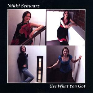 Nikki Schwarz 歌手頭像