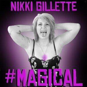 Nikki Gillette 歌手頭像