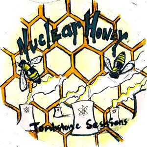 Nuclear Honey 歌手頭像