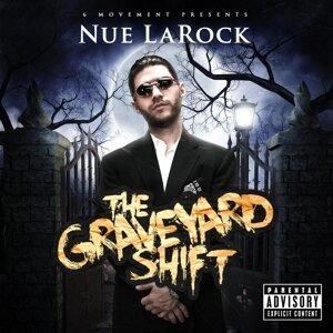 Nue Larock 歌手頭像