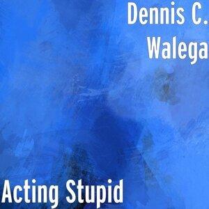 Dennis C. Walega 歌手頭像