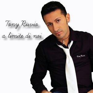 Tony Ruvio 歌手頭像