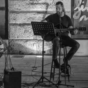 Nikos Giakoumakis 歌手頭像