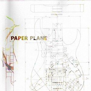 Paper Plane 歌手頭像
