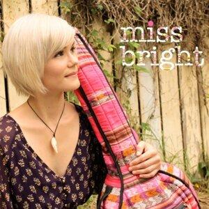 Miss Bright 歌手頭像