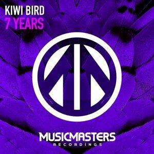 Kiwi Bird 歌手頭像