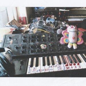 Benny Zen The Recording Artist, The Syphilys Madmen 歌手頭像