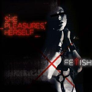 She Pleasures Herself 歌手頭像