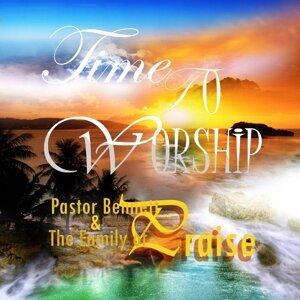 Pastor Bennett & the Family of Praise 歌手頭像