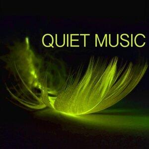 Quiet Music Academy 歌手頭像