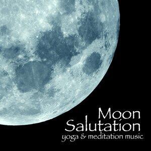 Moon Salutation 歌手頭像
