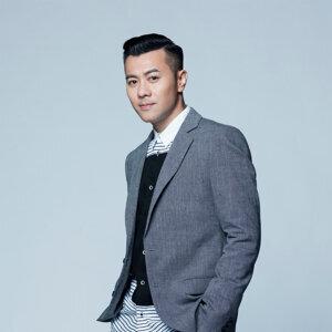 Edmond Leung (梁漢文) Artist photo