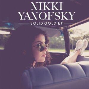 Nikki Yanofsky 歌手頭像