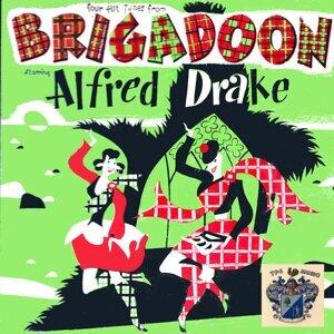 Alfred Drake 歌手頭像