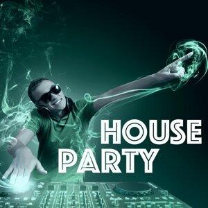 DJ Sound Effects & Dubstep Invaders & Nordic House Music DJ Artist photo