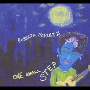 Roberta Schultz Artist photo