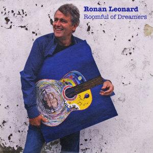 Ronan Leonard Artist photo