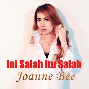 Joanne Bee Artist photo