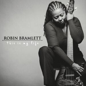 Robin Bramlett Artist photo