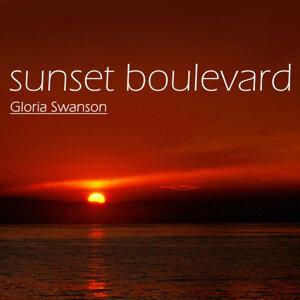 Gloria Swanson 歌手頭像