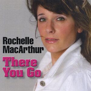 Rochelle MacArthur Artist photo