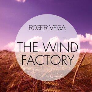 Roger Vega Artist photo