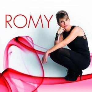 Romy 歌手頭像