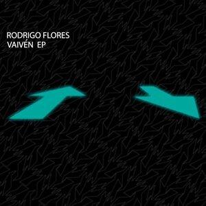 Rodrigo Flores Artist photo