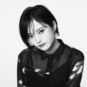 山本彩 (Yamamoto Sayaka) Artist photo