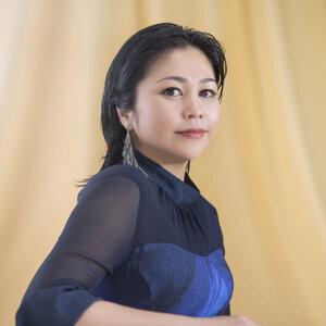Rimi Natsukawa (夏川りみ)